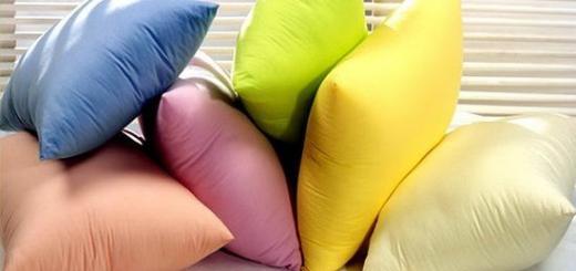 Как стирать подушки в домашних условиях?