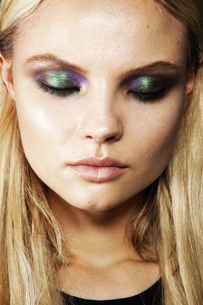 Взгляд визажистов: все о трендах новогоднего макияжа или какой макияж стоит сделать на Новый год