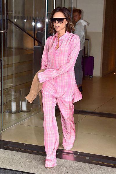 Виктория Бекхэм: пижама вместо костюма и еще 5 провальных луков