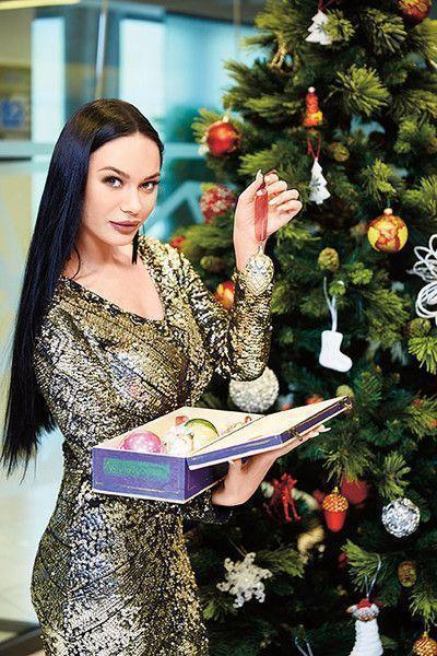 Яна Кошкина выбрала платье на самую важную ночь по гороскопу