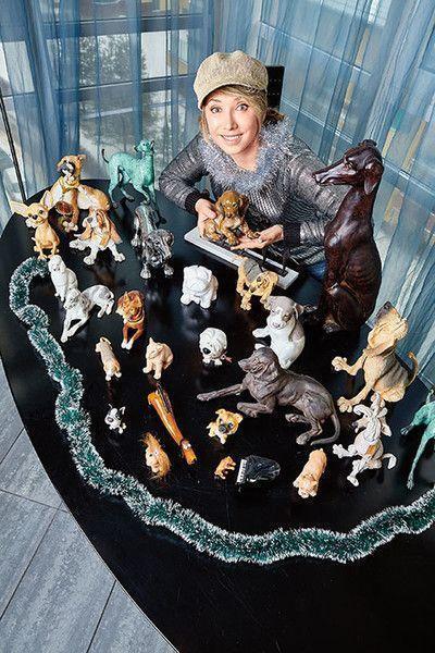 Елена Воробей собрала коллекцию собак со всего мира