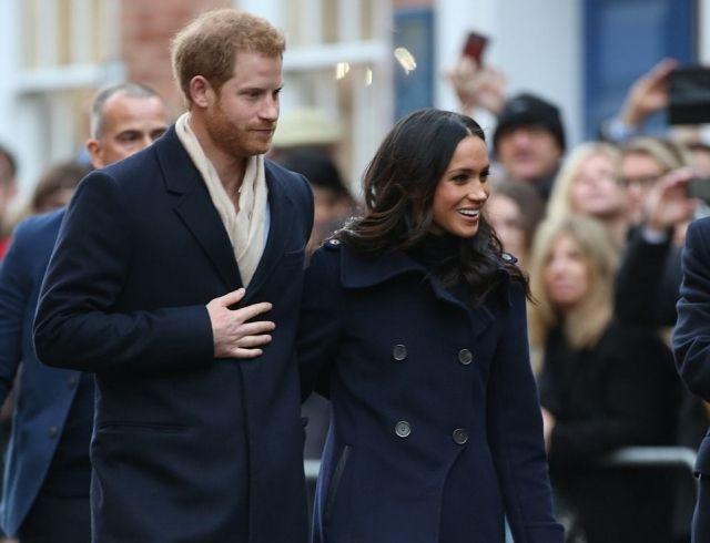 Первый официальный выход Меган Маркл и принца Гарри: новоиспеченные жених и невеста посетили благотворительную ярмарку (ФОТО)