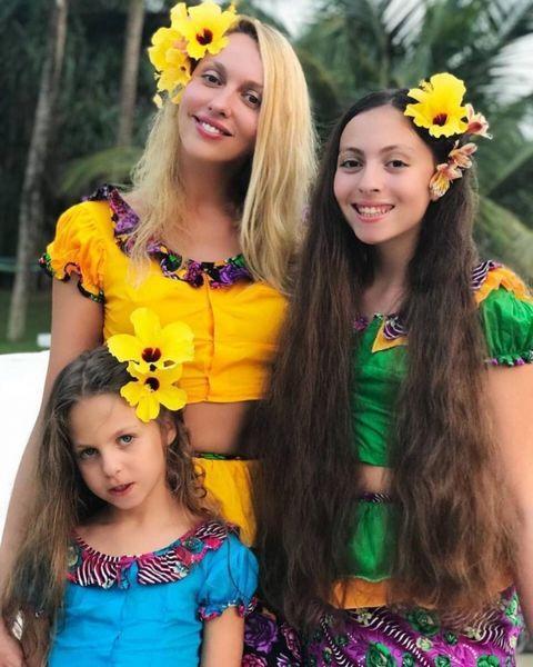 Оля Полякова в праздник Крещения показала подросших дочек (ФОТО)