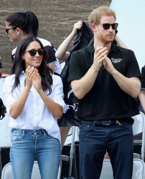 Принц Гарри и Меган Маркл улетели в Ниццу эконом-классом