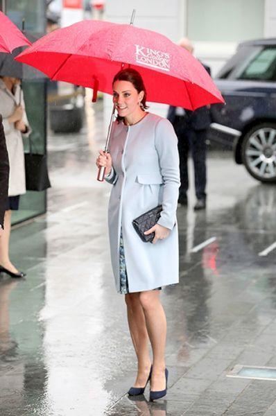 После нового выхода в свет Кейт Миддлтон все заговорили, что герцогиня ждет двойню
