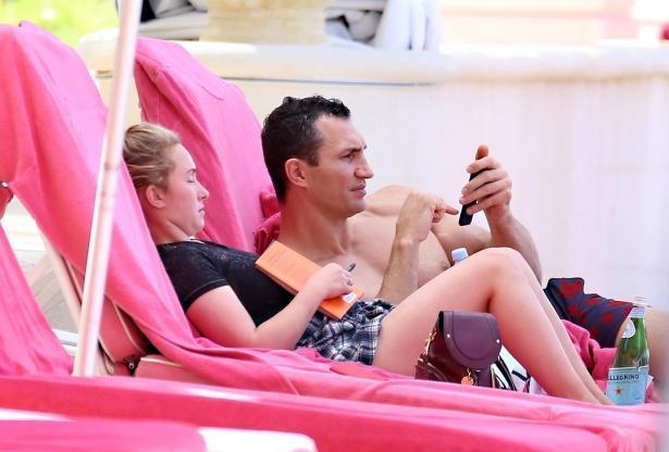 Они вместе: Владимир Кличко и Хайден Панеттьери отдыхают с дочкой на Барбадосе (ФОТО)