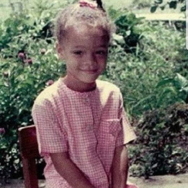 Почти не изменилась: мама Рианны показала, как выглядела ее дочь в пять лет (ФОТО)