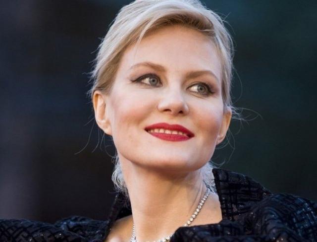 Рената Литвинова удивила сходством с дочерью