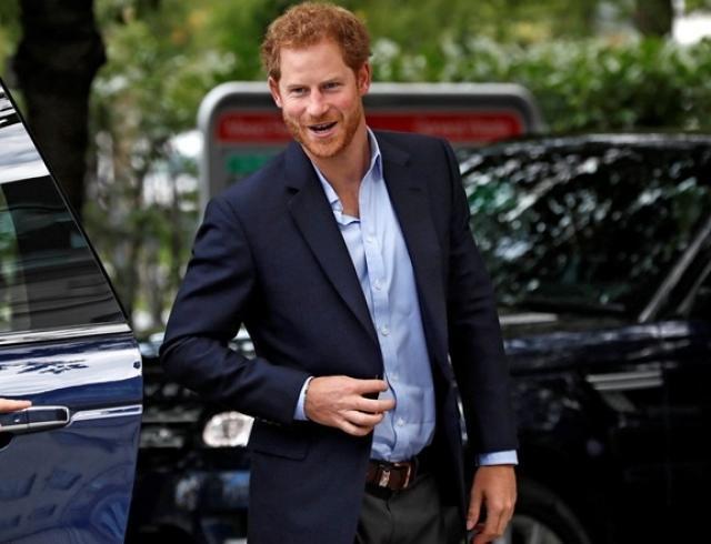 Невероятно! Принц Гарри пригласил бывших девушек на свою свадьбу с Меган Маркл