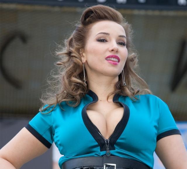 """Бойфренду Анфисы Чеховой не нравится, что она """"отощала"""""""
