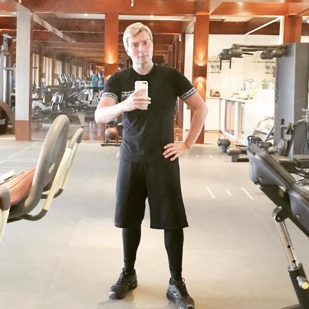 Николай Басков объяснил, почему он попадает на деньги, когда набирает вес