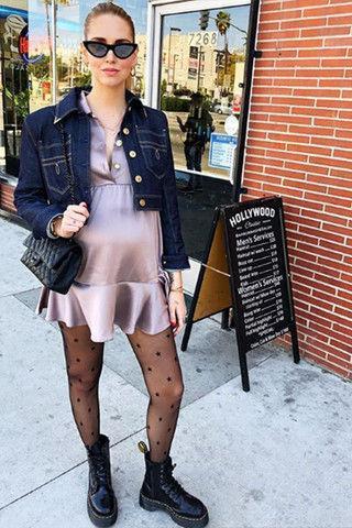 Беременная Кьяра Ферраньи носит экстремально короткие платья