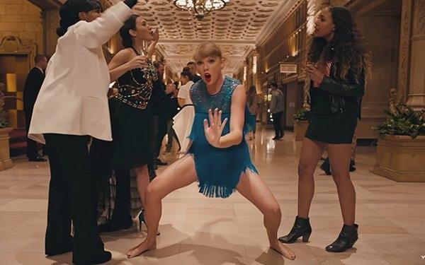 "Тейлор Свифт обвинили в плагиате рекламы Kenzo: клип ""Delicate"""