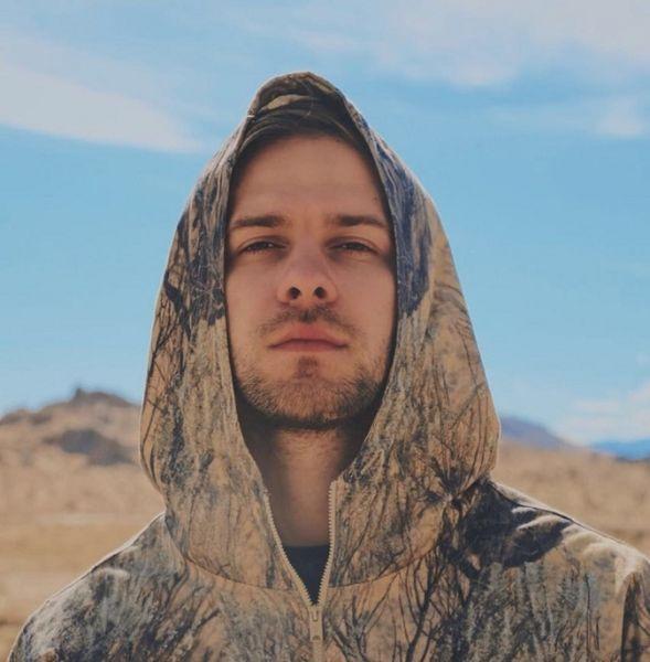 Завораживает! Макс Барских устроил фотосессию в калифорнийской пустыне (ФОТО)