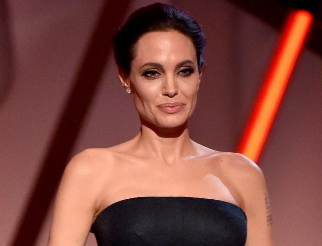 И не одна! После слухов о новом романе Анджелина Джоли появилась на публике (ФОТО)
