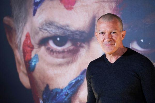 Без волос и бровей! Антонио Бандерас напугал переменами во внешности (ФОТО)