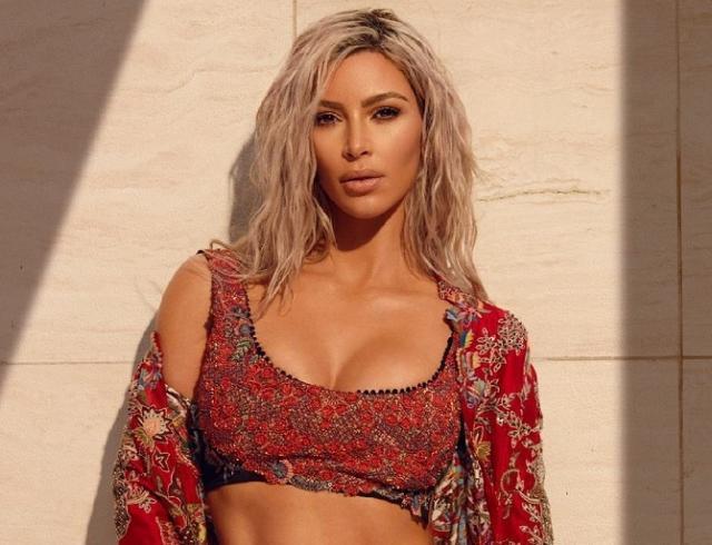 Ким Кардашьян защитила новую коллекцию Канье Уэста от нападок хейтеров