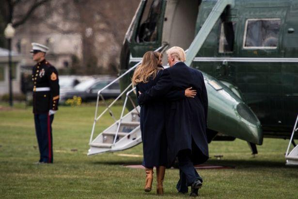Помирились? Дональд Трамп удержал жену от падения