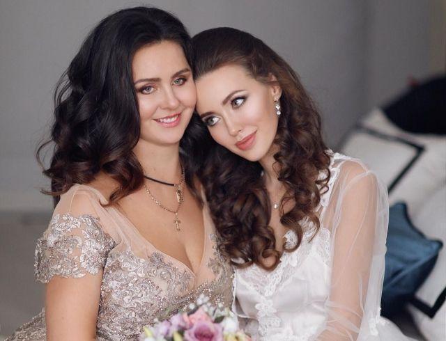 Мама Анастасии Костенко скомпрометировала дочь вульгарными снимками (ФОТО)