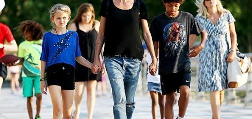 Хайди Клум блеснула в ярком наряде на съемках шоу талантов в Америке (ФОТО)