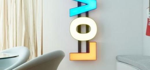 Надефилировала: Кара Делевинь показала роскошную квартиру в Лондоне (ФОТО)