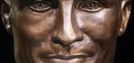 Автор смешной статуи Криштиану Роналду сваял новую (ФОТО)