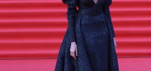 Лучшие наряды ММКФ: Кожевникова – в цветах, а Решетова с голой грудью