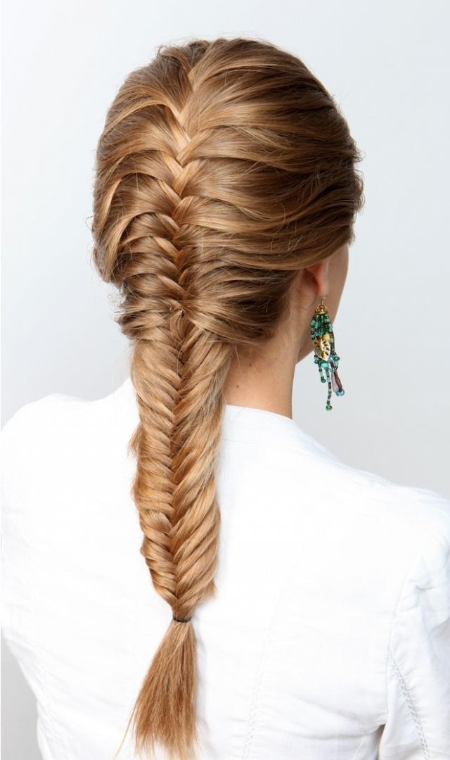 """Как плести косу """"рыбий хвост"""": учимся делать стильное плетение на все случаи жизни"""