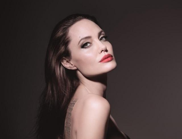 Анджелина Джоли упала в обморок — актрису срочно госпитализировали