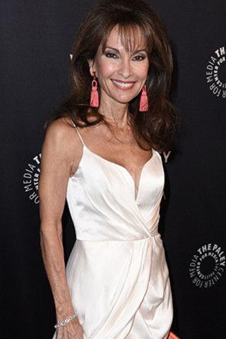 Это фантастика: 71-летняя актриса выглядит на 40 лет моложе