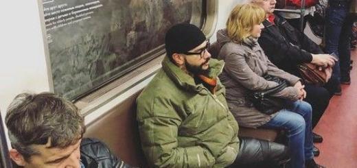 Тимати проехал в метро, и его никто не узнал