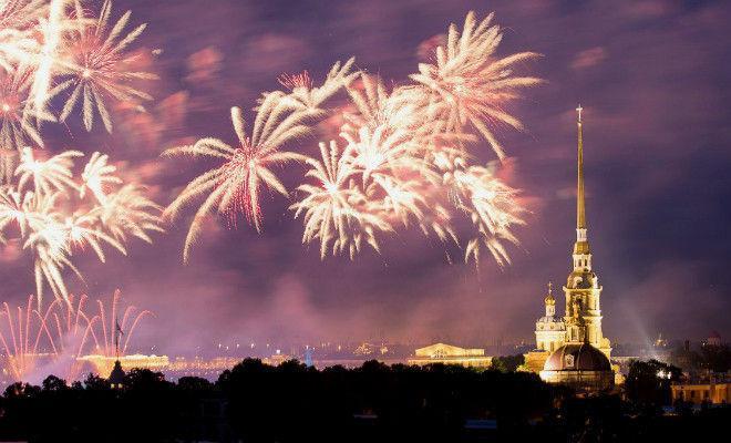 Парад и еще 7 событий на День Победы в Петербурге