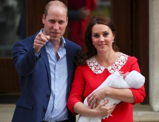 Принц Уильям и Кейт Миддлтон опубликовали первые официальные снимки принца Луи: ФОТО