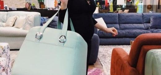Хилькевич прогулялась с сумкой, в которую помещается сама