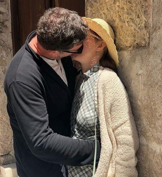 Собчак впервые показала, как целуется с мужем