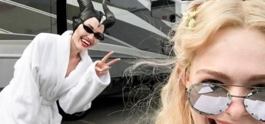 """""""Малефисента-2"""": Анджелина Джоли и Эль Фаннинг дурачатся в перерывах съемок"""