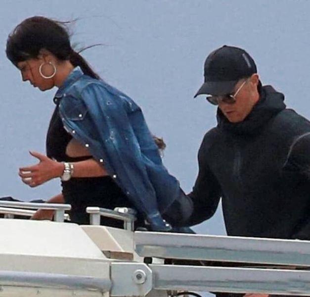 Криштиану Роналду устроил своей девушке романтическую прогулку на яхте (ФОТО)