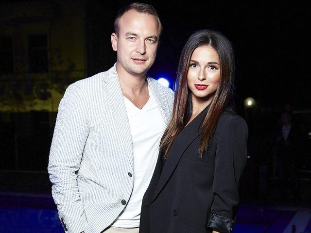 Певица Нюша не смогла замаскировать беременность на премии RU.TV (ФОТО)