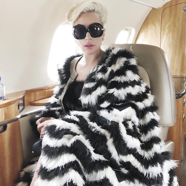 """Брэдли Купер — режиссер, а Леди Гага — актриса: вышел трейлер мюзикла """"Звезда родилась"""""""