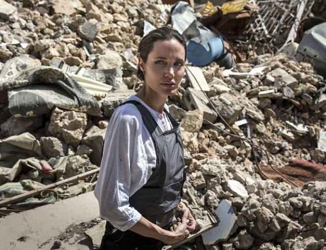 Анджелина Джоли посетила Ирак с миссией ООН (ФОТО)