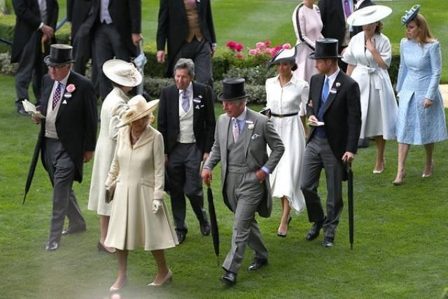 Члены королевской семьи посетили открытие скачек Royal Ascot: королева, принц Гарри, Меган Маркл и другие (ФОТО)