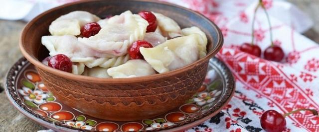 Вареники с вишней: топ 5 рецептов приготовления