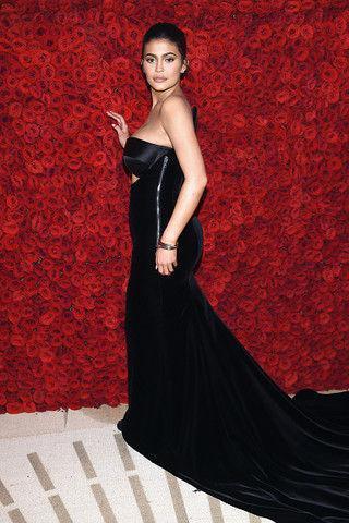 Кайли Дженнер стала самой молодой миллиардершей в мире
