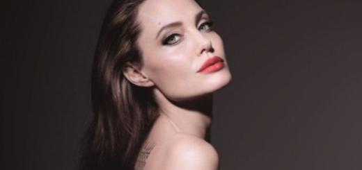 Эффектная Анджелина Джоли в превосходном настроении прогулялась с детьми (ФОТО)