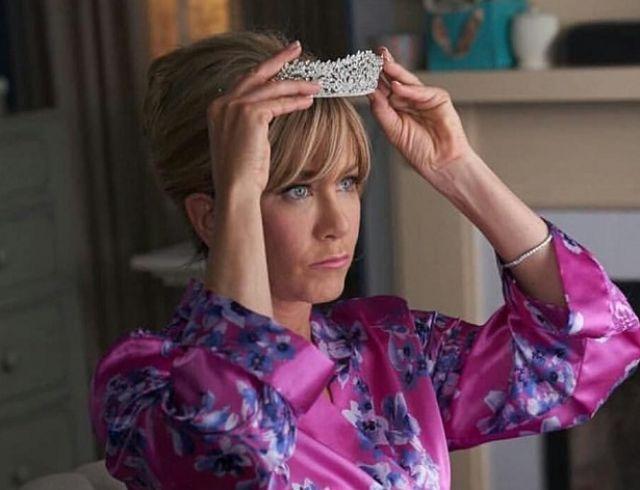 """Дженнифер Энистон примерила образ королевы красоты в трейлере фильма """"Пышка"""""""
