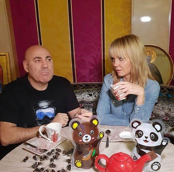 Первые деньги: на что их спустили Стоцкая, Волочкова и другие звезды