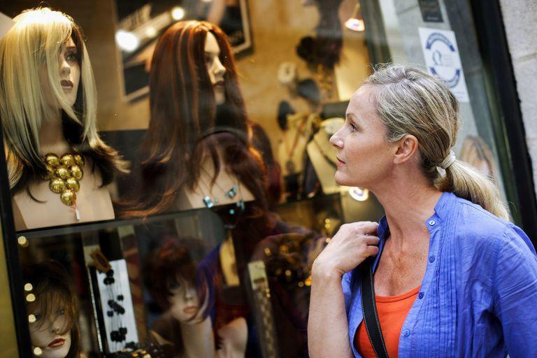 Как выбирать натуральные волосы для париков?