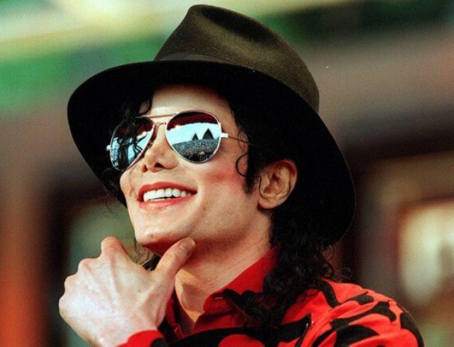 """""""Меня оплодотворили"""": экс-супруга Майкла Джексона поставила под сомнение отцовство поп-короля"""