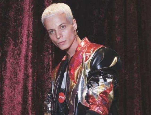 Модель Талес Соарес умер на подиуме во время Недели моды