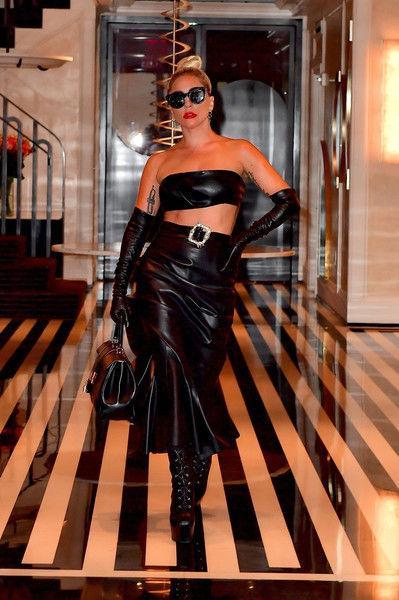 Вся в коже: Леди Гага отказалась от образа гламурной девушки?